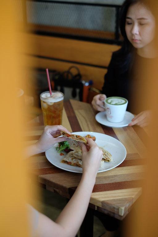 Ambience Anomali Coffee Pakubuwono - Dalam