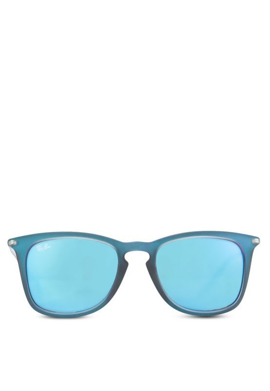 Protect Your Eyes With These Chic Sunglasses From Zalora