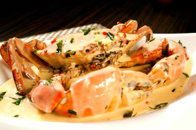 signature favourite butter crab