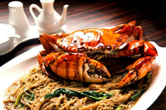 Claypot crab bee hoon
