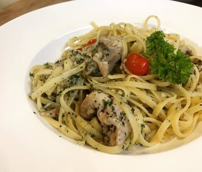 Spaghetti Aglio Olio the wicked garlic