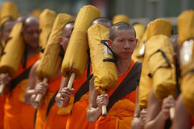 (泰國僧侶,圖片來源:網路)