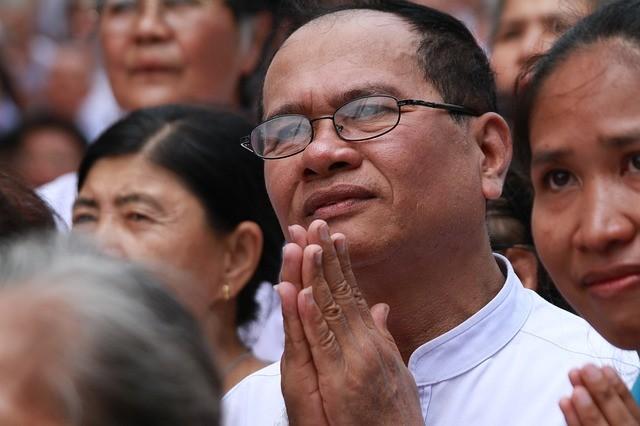 (泰國合十禮,圖片來源:網路)