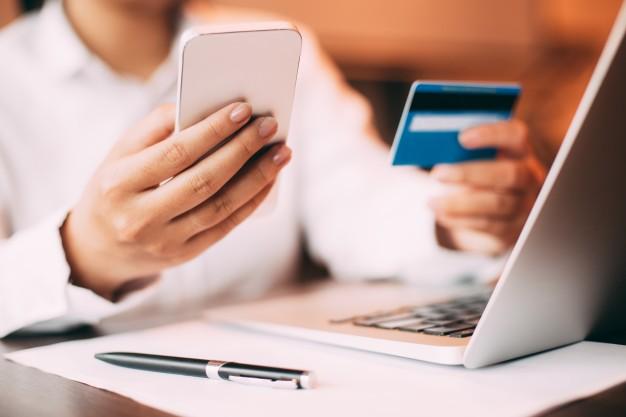 Diskon Hingga 85% + Voucher Belanja 50rb untuk Pembelian Berikutnya dengan Kartu Kredit BCA Setiap Hari Senin