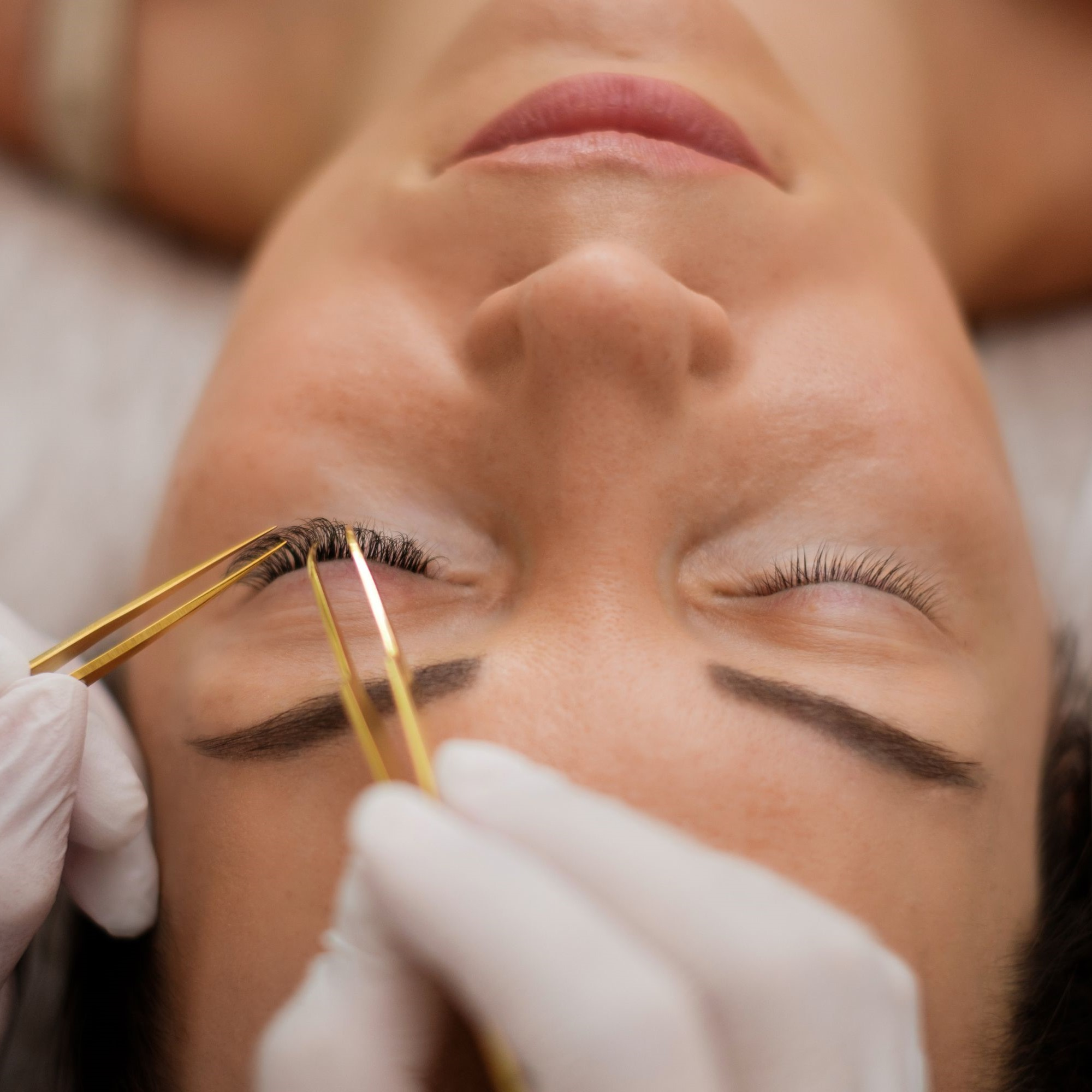 Classic Eyebrow Embroidery for 1 Person (1 Session)