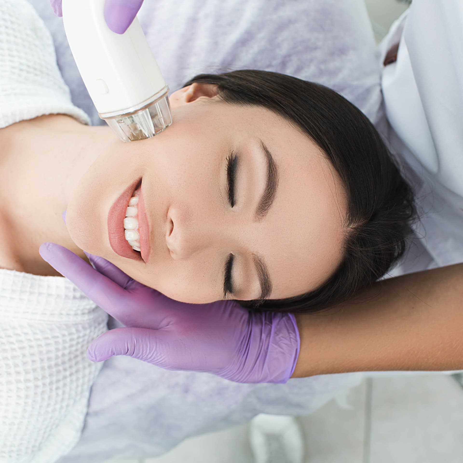 75 mins DermaBright Face Therapy (1 session)