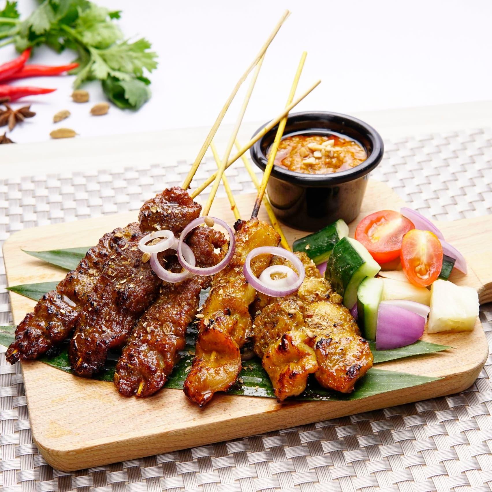 1 x Half Dozen Satay (Chicken/Beef)