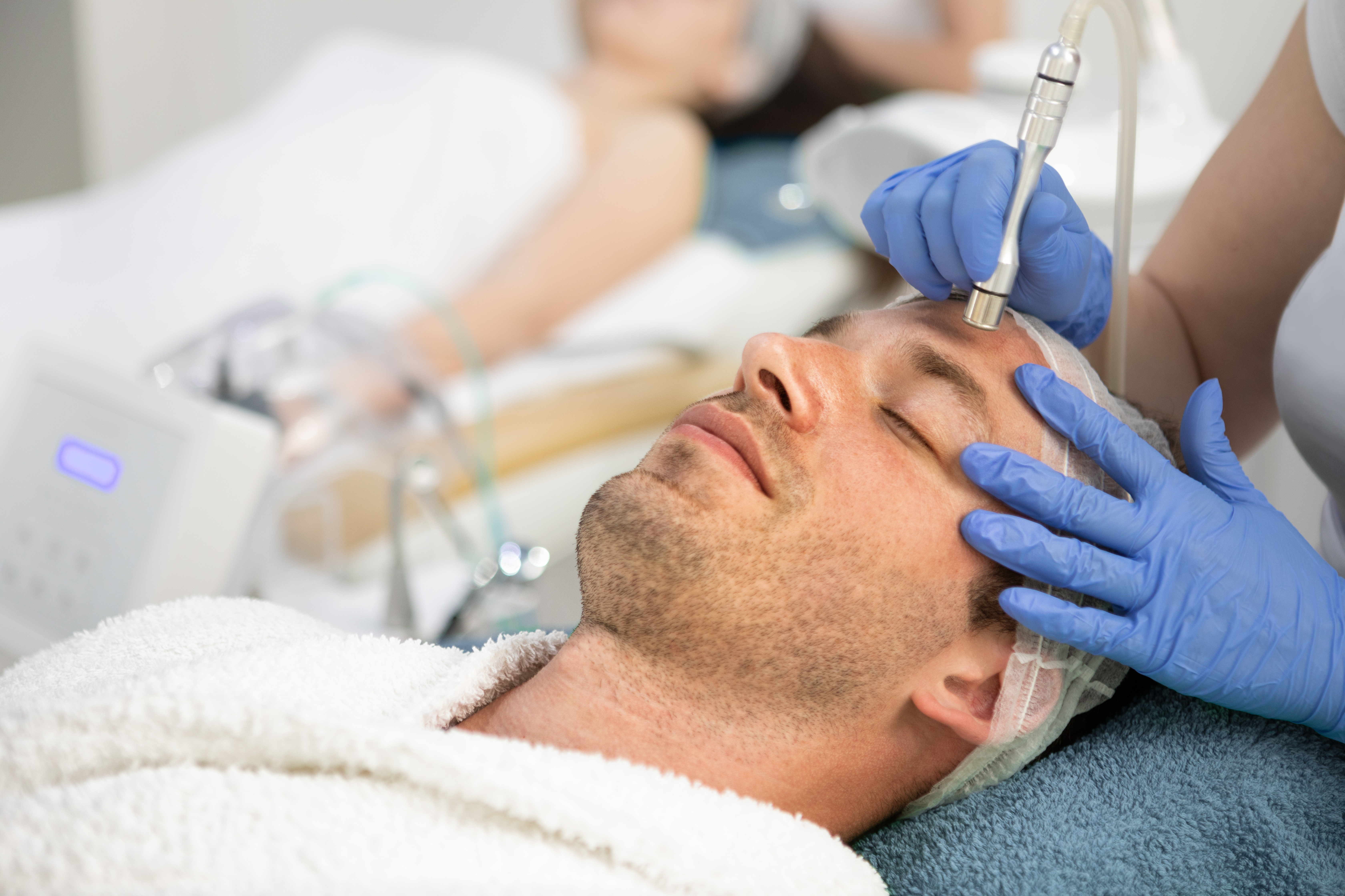 90-Mins Diamond Peel with Homme Signature facial (1 session)