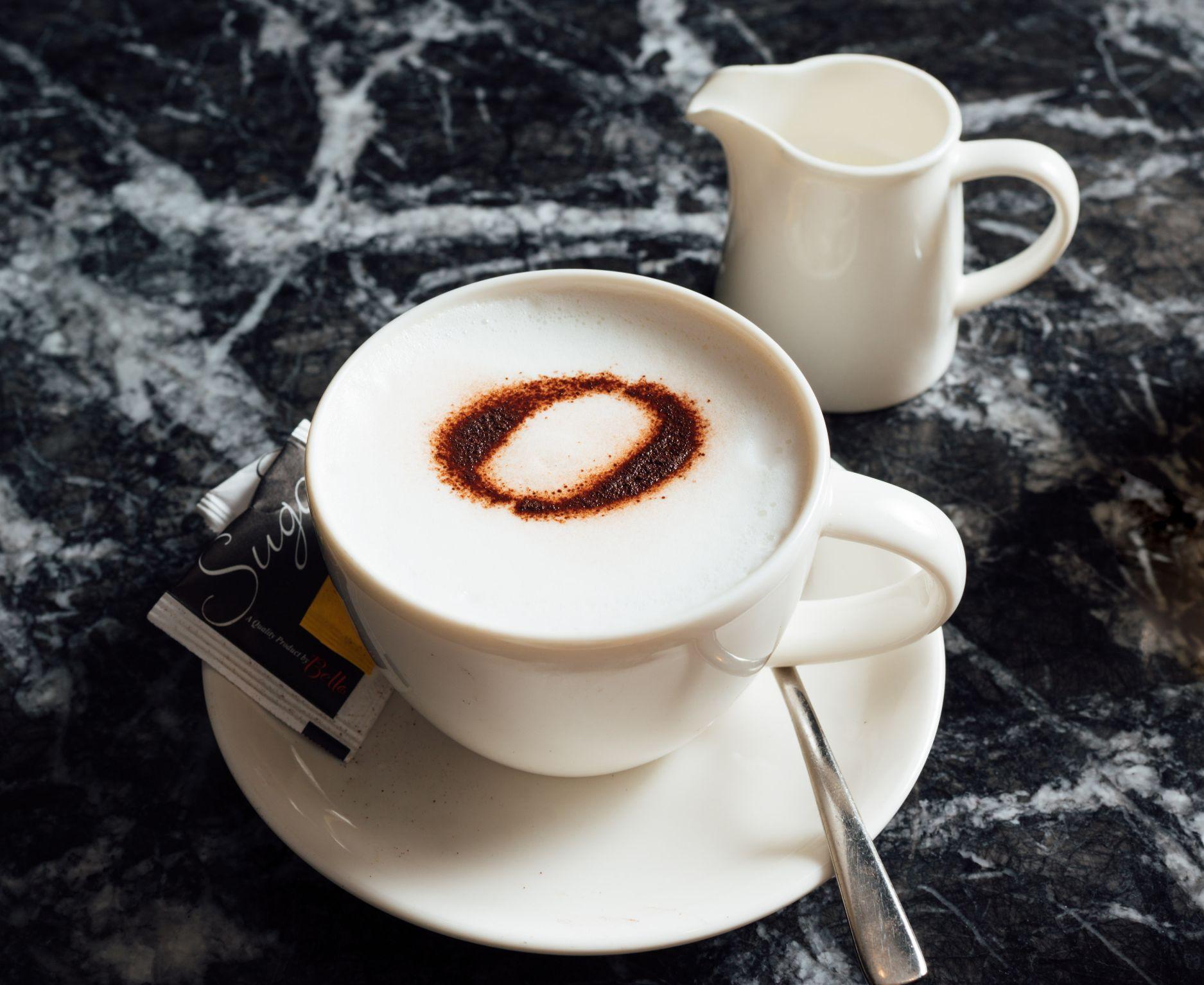 1 x Coffee/Tea + Croissant set