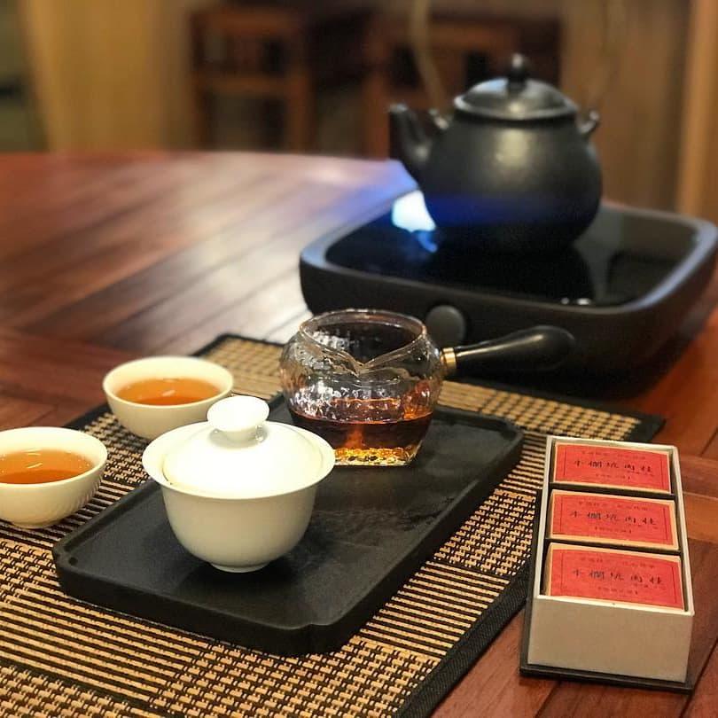 1 x Signature Tea