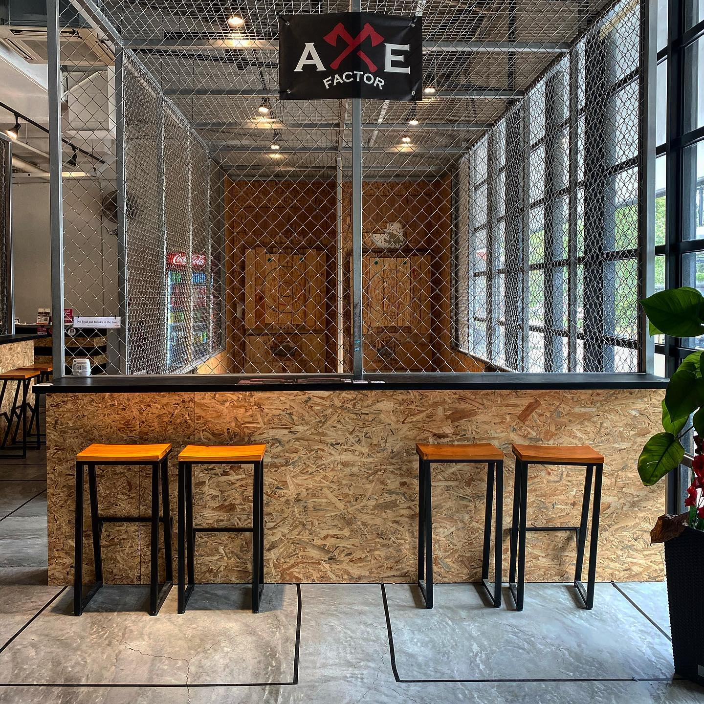 2 Hours Axe Throwing for 1 pax + 1 x $3 Drink Voucher