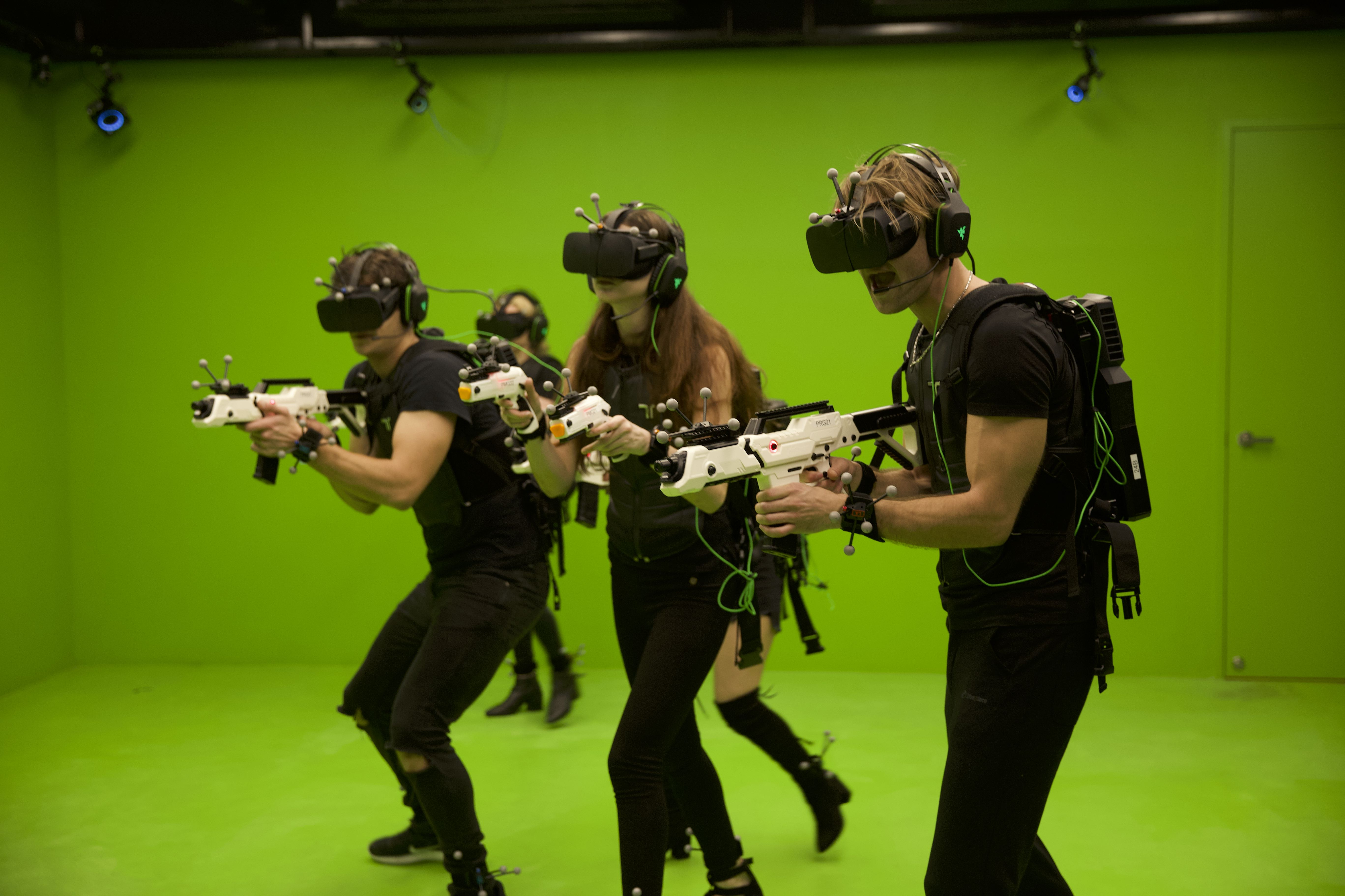 VR Experience for 4 pax (Off Peak) + 4 x Non-Alcoholic Drinks at Sandbox VR - Get Deals, Cashback and Rewards with ShopBack GO