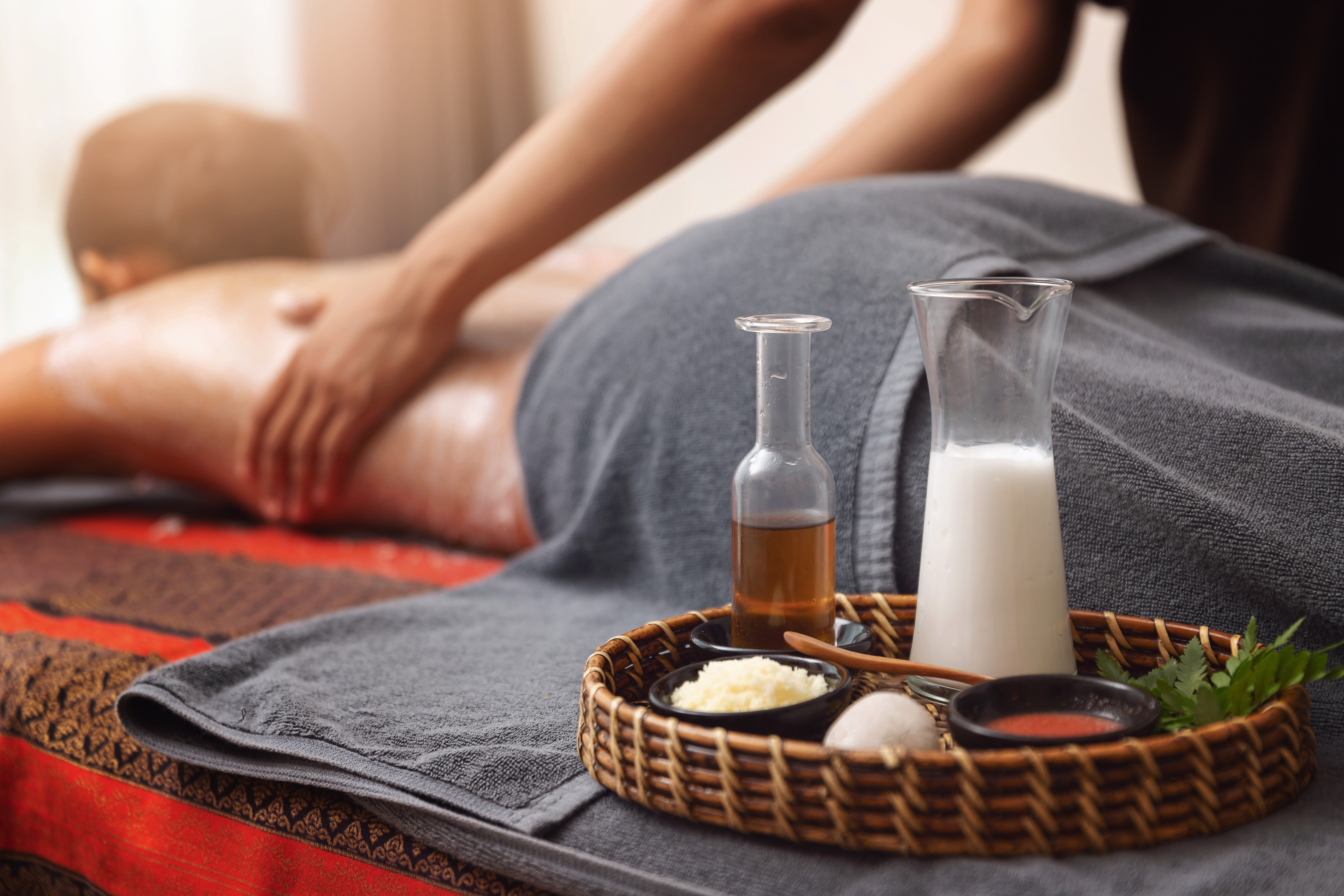 75-Min Lymphatic Drainage Full Body Massage with Spinal Tissue Massage for 1 Person (1 Session)