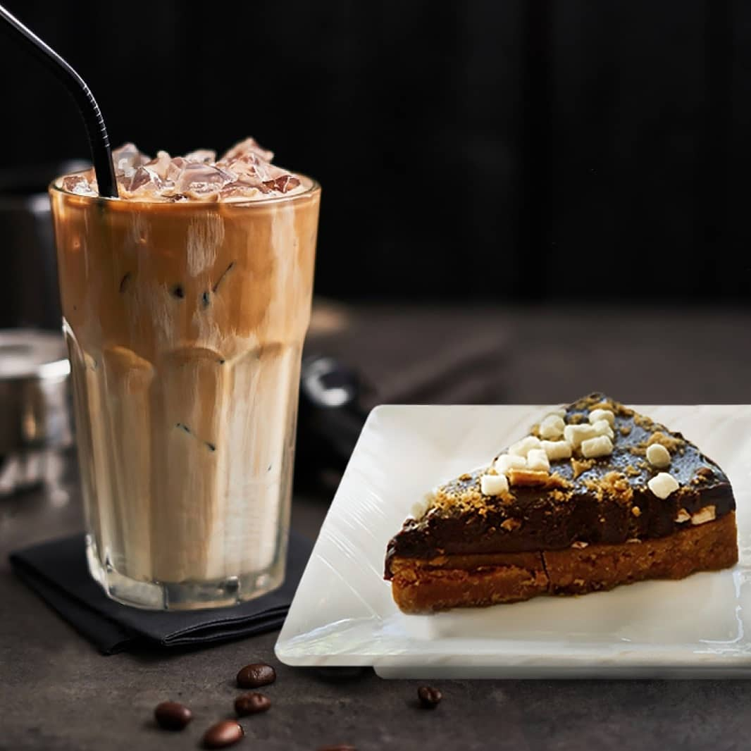 1 x Iced Coffee + Cake Set