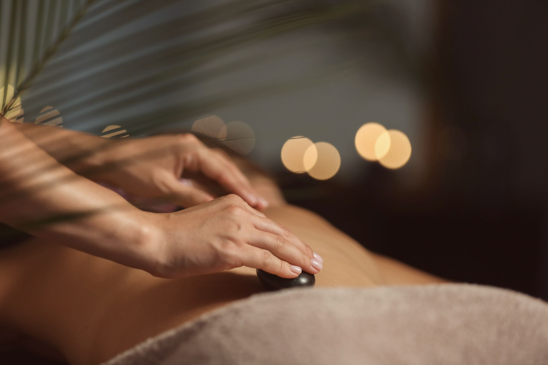 Weekday Spa Retreats: 60-min Therapeutic Body Massage for 1 Person
