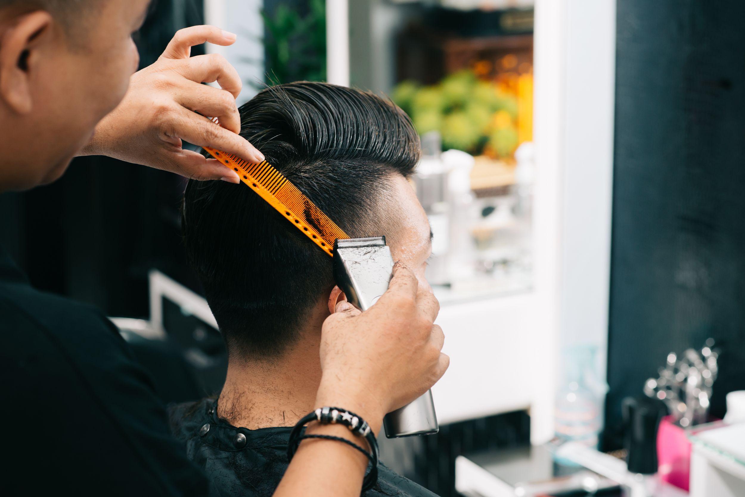 Men's Stylist Cut + Head Massage + Wash + Blow
