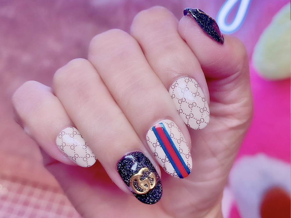Gel Mani- Pedi + Two Return Soak Off + Complimentary Glitter French Nail/ 1 Glitter  Additional Colour for 1 Person
