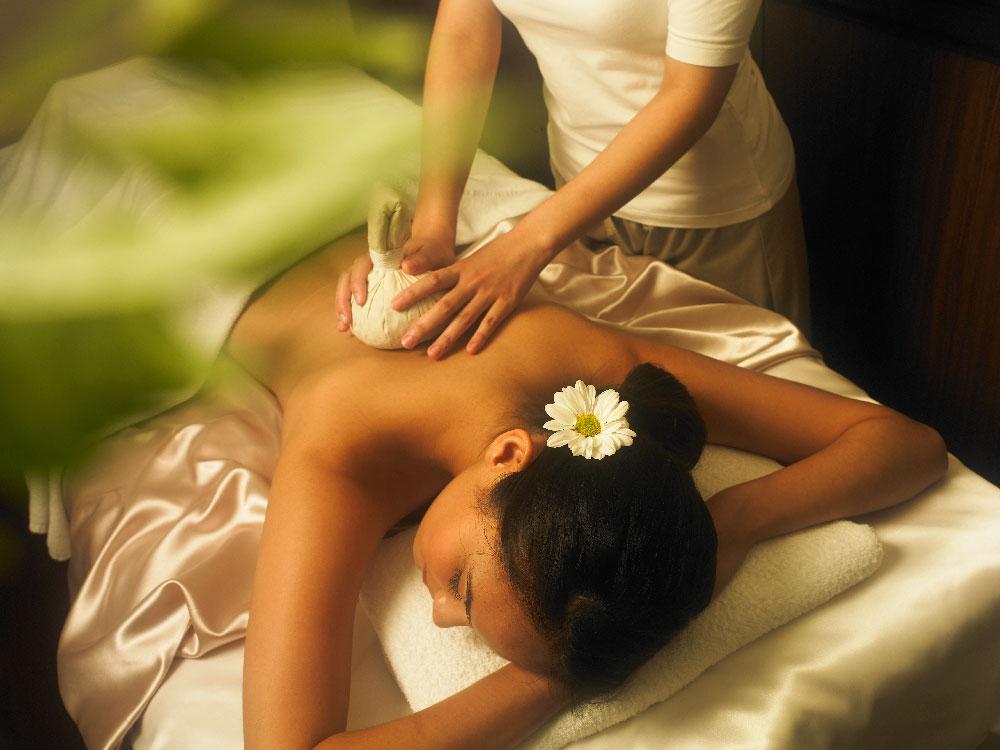 60 min Aromatic Swedish Body Therapy + Full Sandalwood Body Scrub
