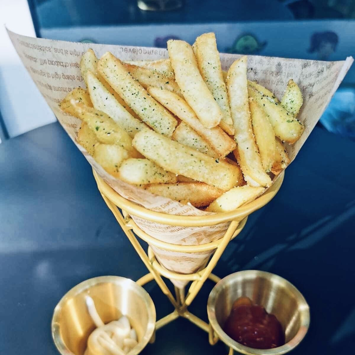 1 x Straight Cut Fries (Regular)