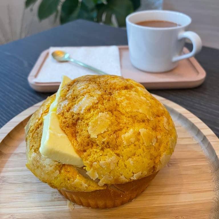 1 x Hot HK Style Milk Tea + Bolo Bun with Butter or Crispy Bun with Condensed Milk