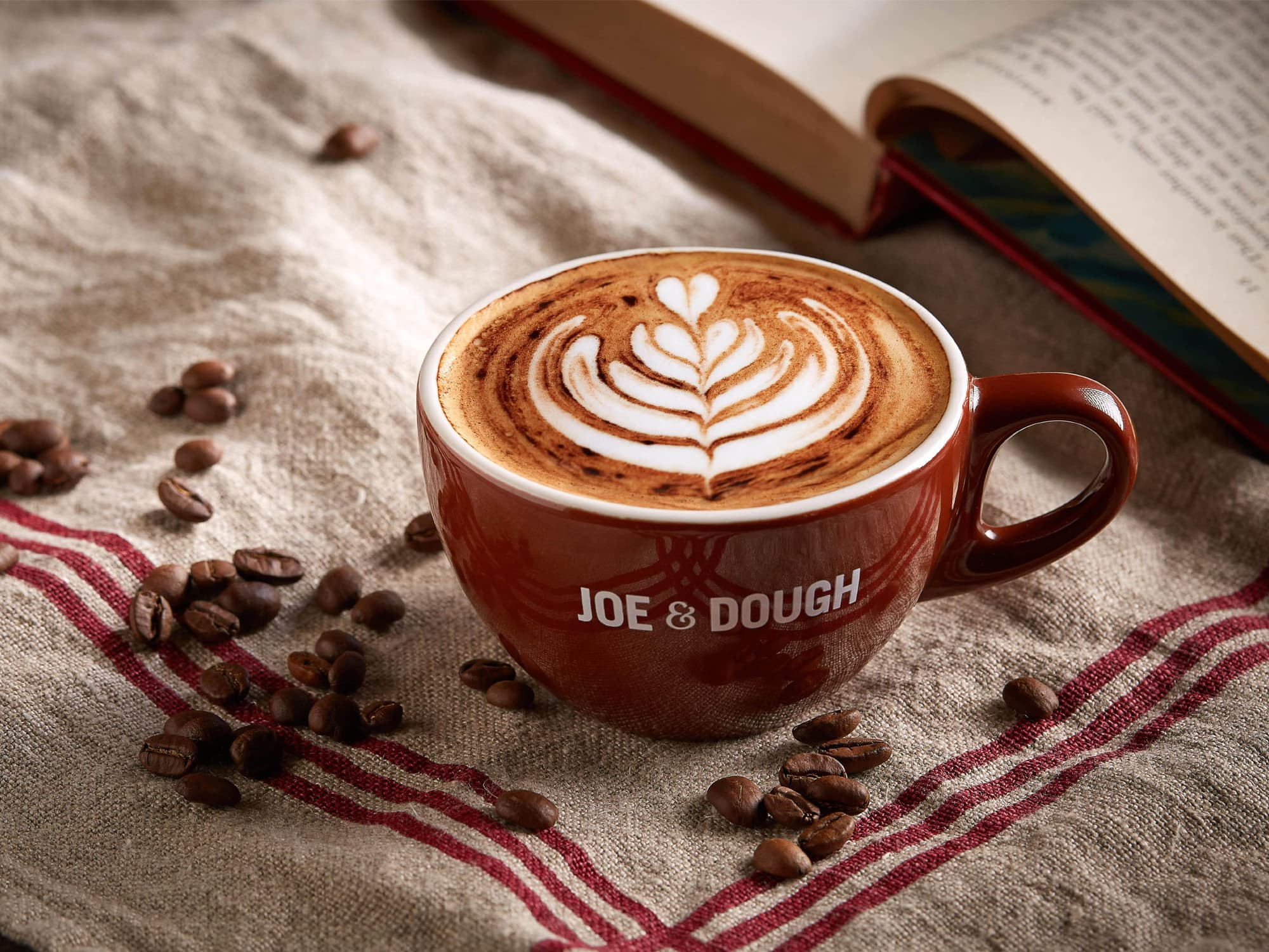 1 x Large Hot Caffe Latte / Cappuccino / Flat White / Americano (Takeaway) [Exclusive Deal]