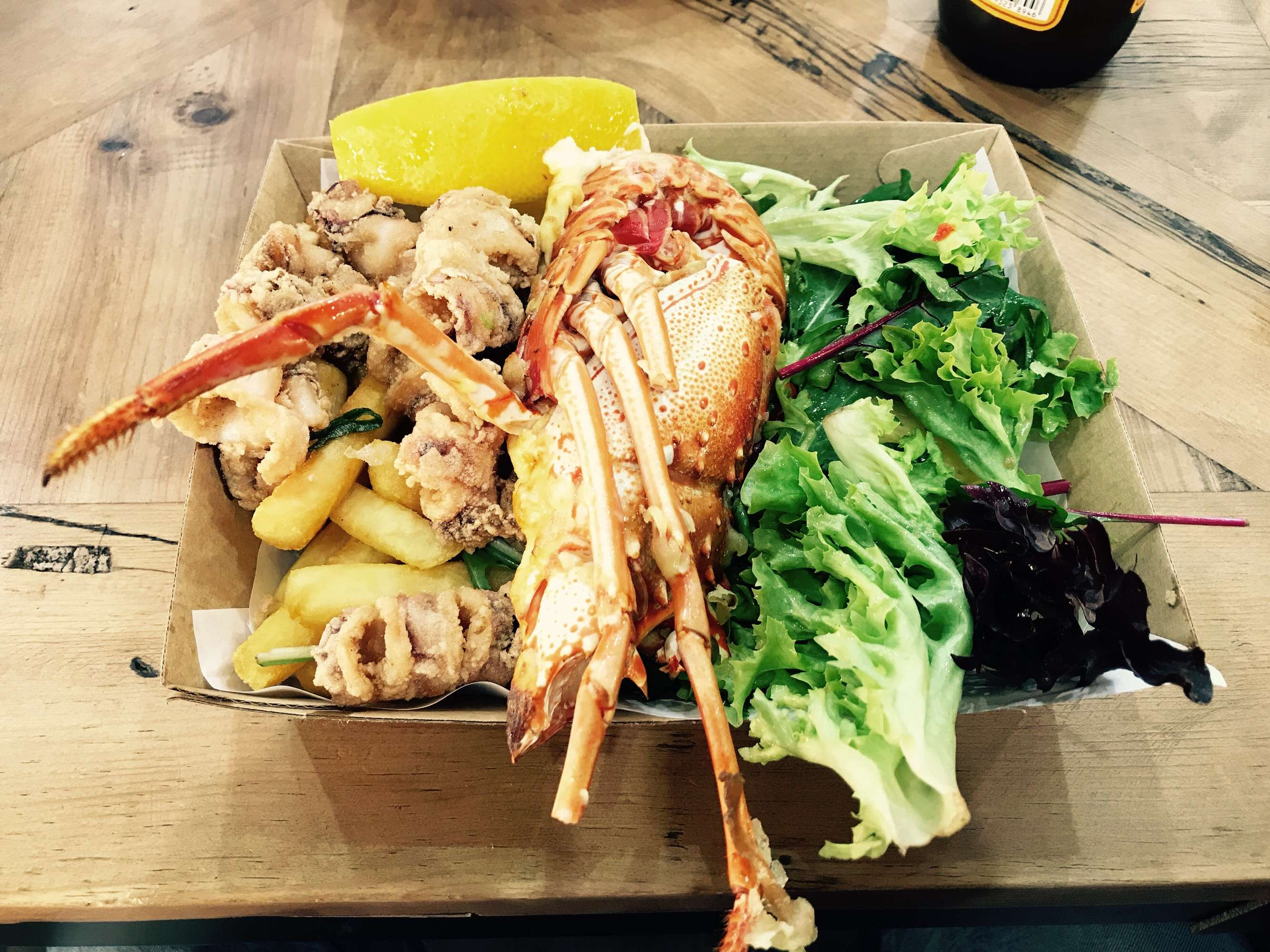 1 x Seafood Platter + 2 x Soft Drinks [Limited Stock]