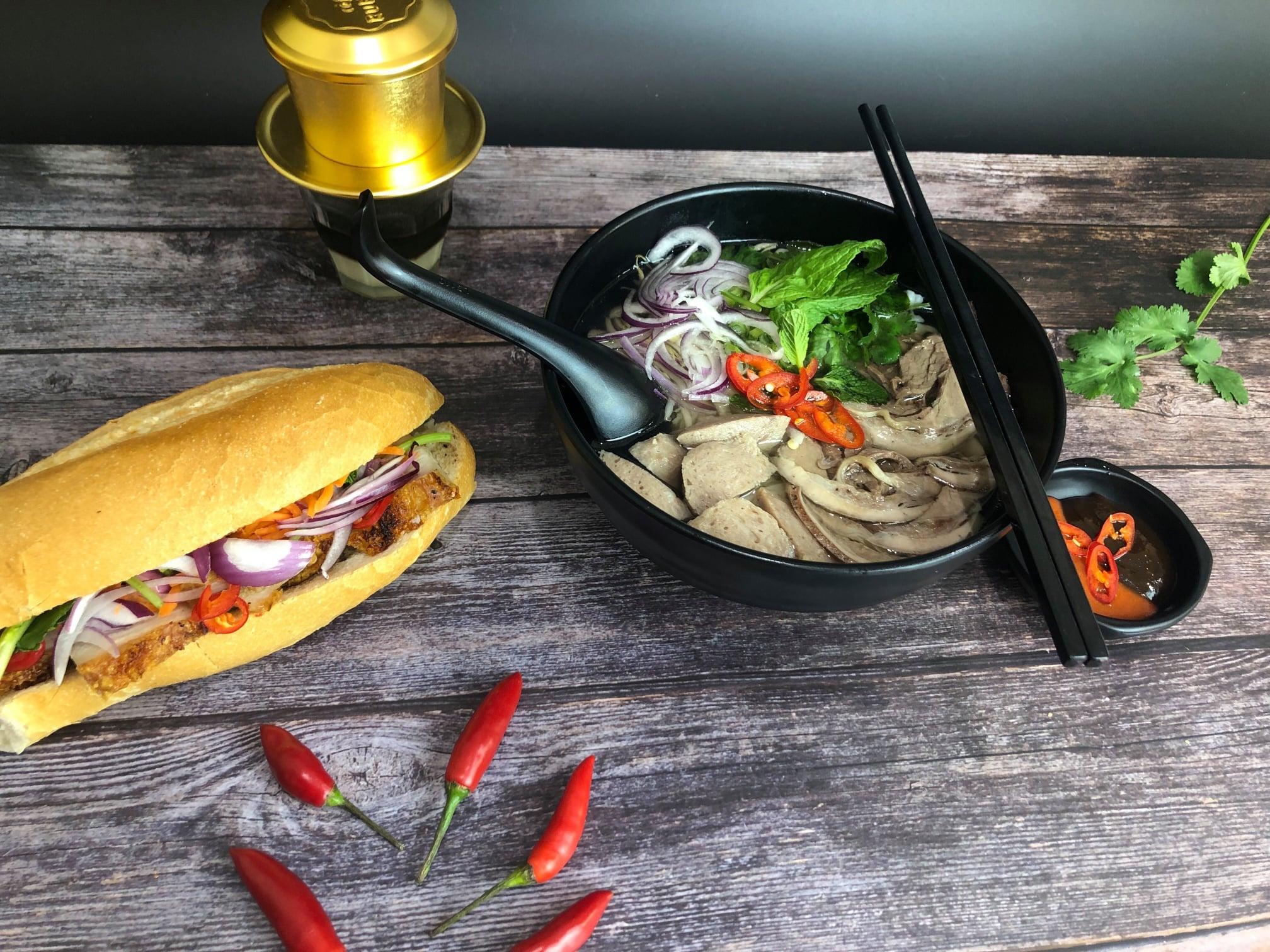1 x Beef / Chicken Pho + 2 x Homemade Spring Roll + Soft Drink