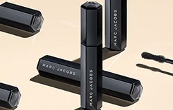 Get a FREE Marc Jacobs Mini Velvet Noir Major Volume Mascara