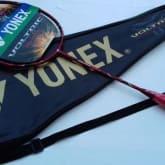 Raket badminton YONEX voltric 80 etune
