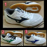 mizuno badminton original Indonesia (sepatu pria, badminton, volly, voli, bulu tangkis)