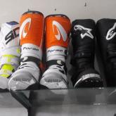 sepatu cross forma predator warna Orange ukuran 43